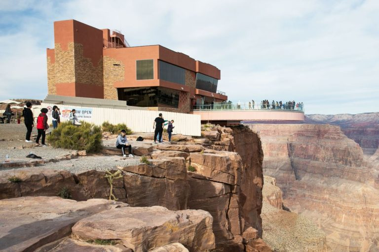 , Tourist dies taking selfie at Grand Canyon, For Immediate Release | Official News Wire for the Travel Industry